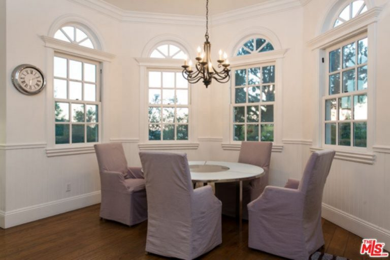 Jessica Alba's dining nook