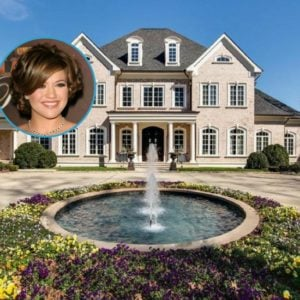 Check out Kelly Clarkson's Massive Mansion that She's Selling for $8.75 Million (26 Photos)