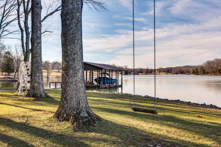Kelly Clarkson's backyard with river frontage.