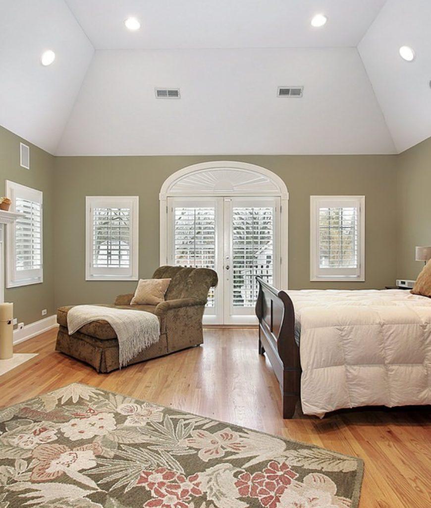Master Bedroom (295)