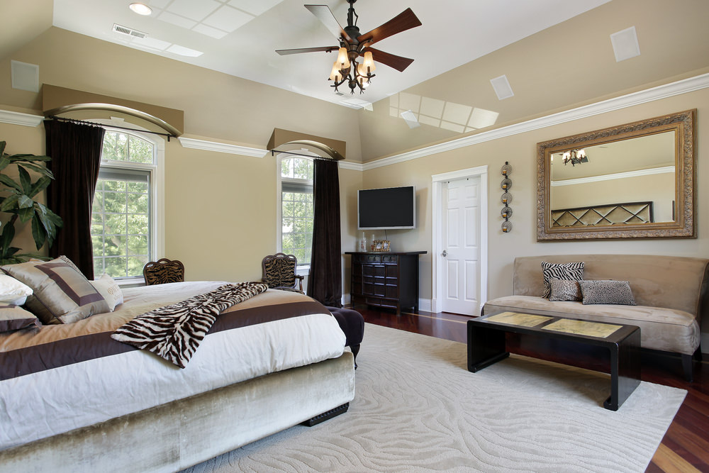35+ master bedrooms with chandelier lighting (photos)