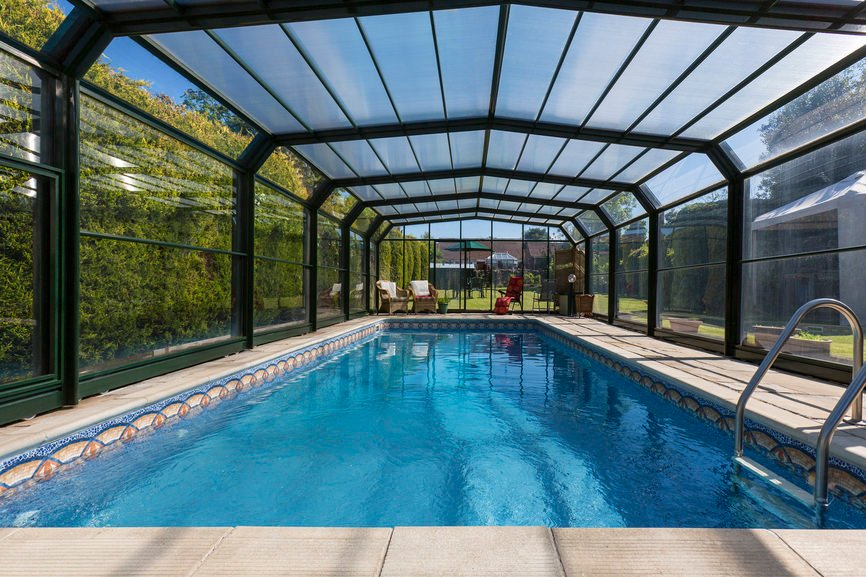 801 swimming pool designs and types for 2018 for Indoor garden pool