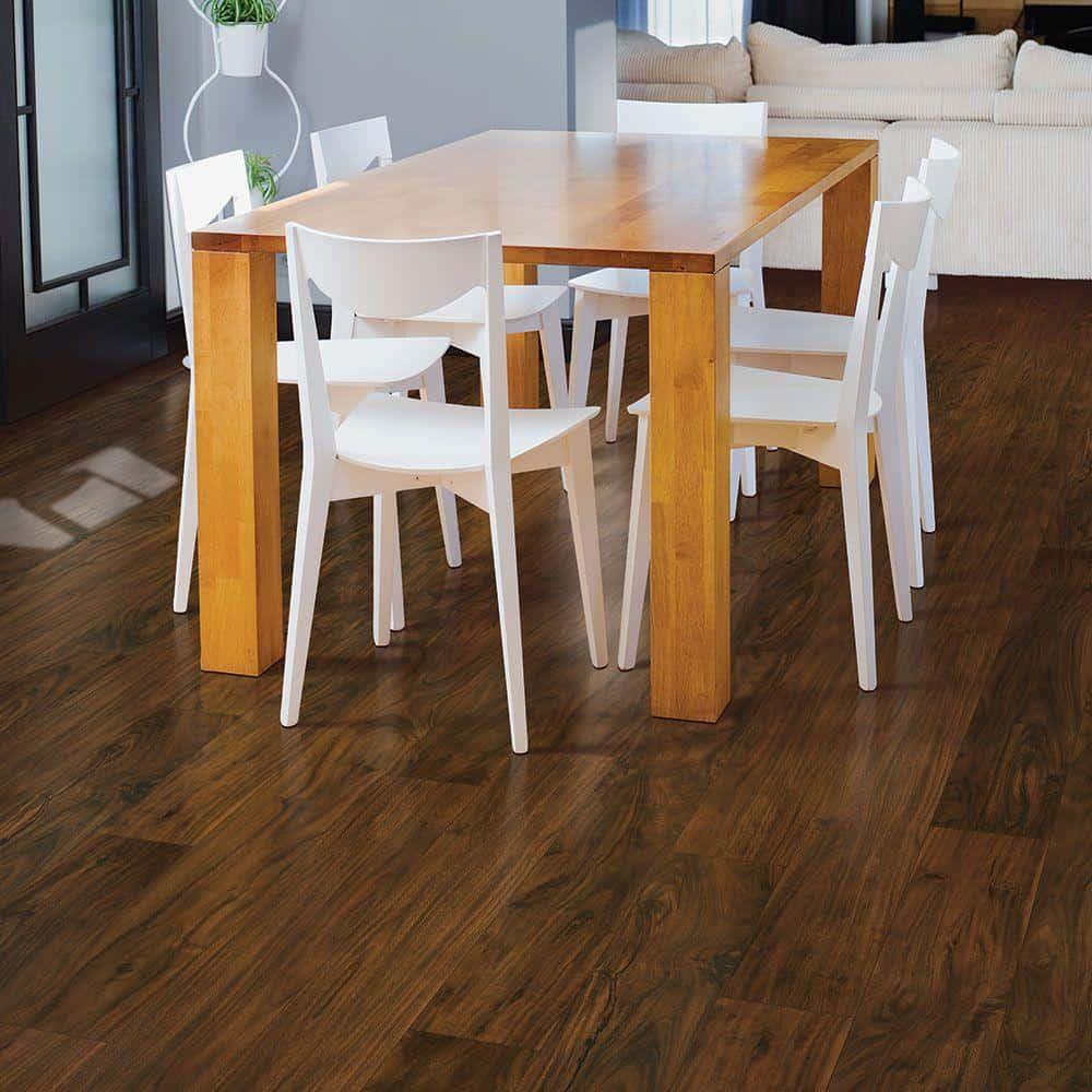 Acacia style laminate floor