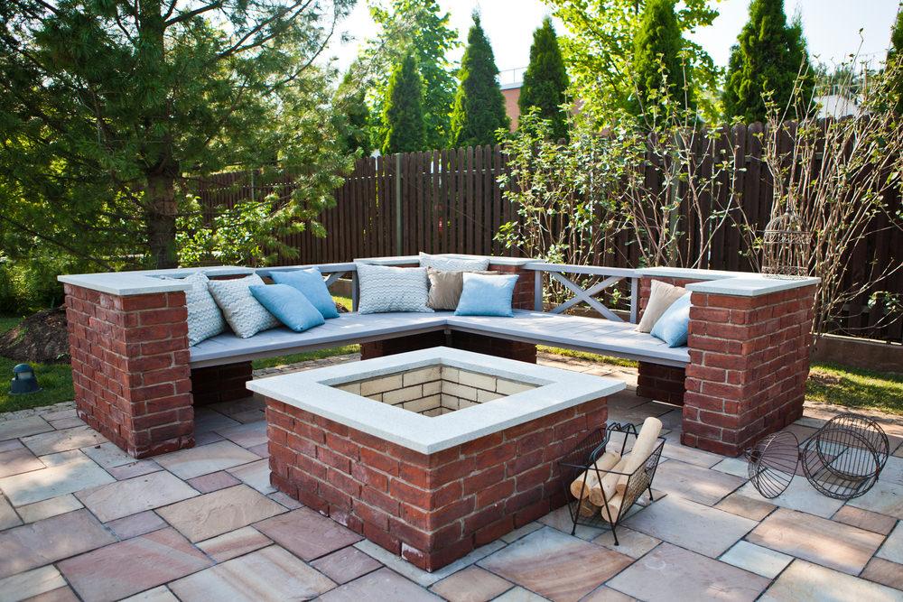Brick-built-in-deck-seating