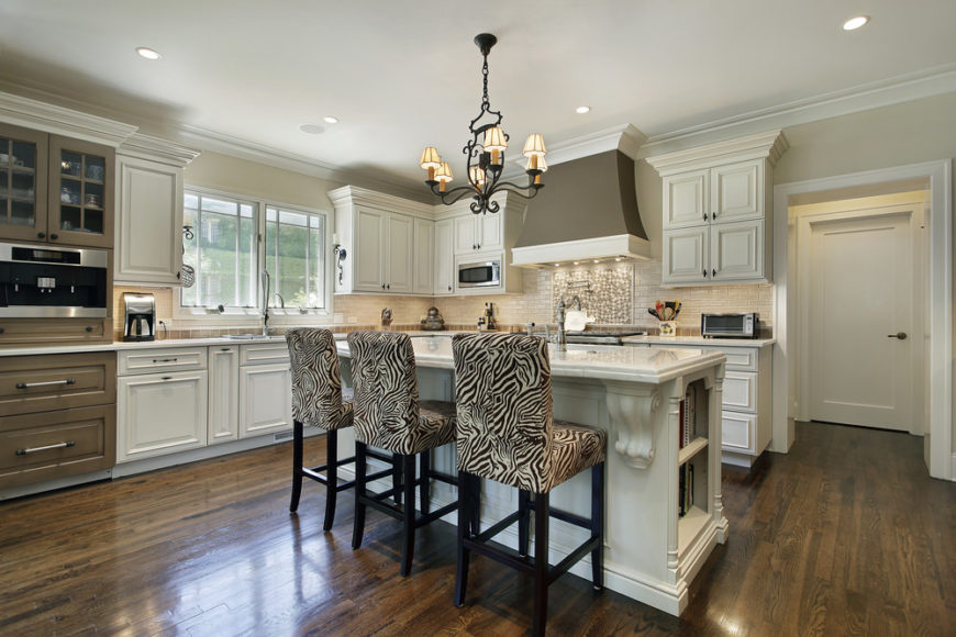 101 Kitchens With Chandelier Lighting Photos