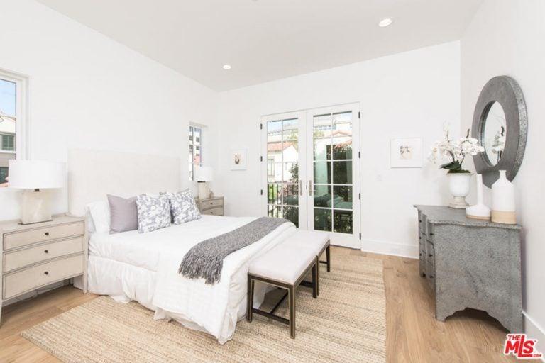 Jane Fonda's guest bedroom