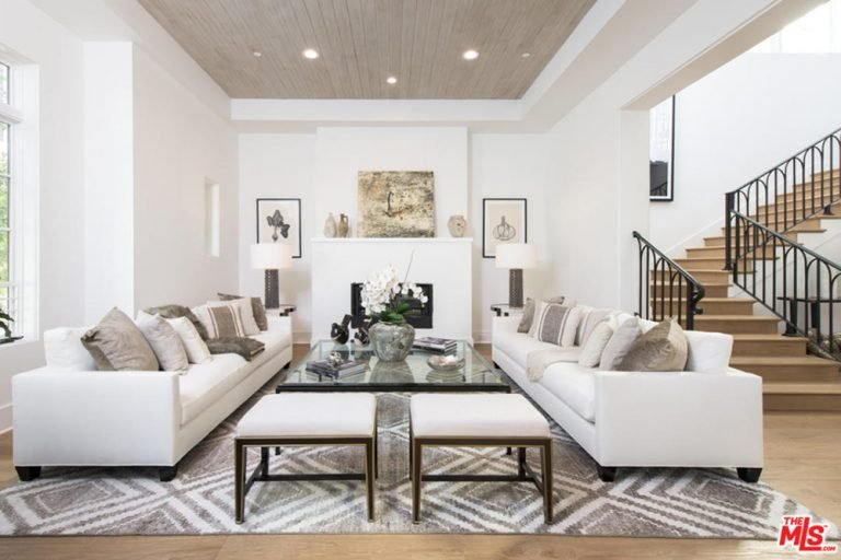 Jane Fonda's elegant living room