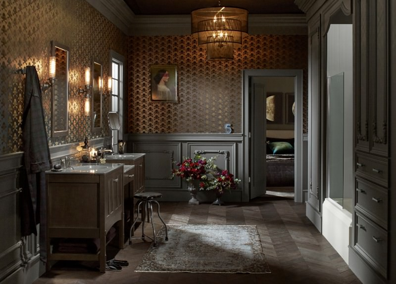 Here S A Brooding Masculine Bathroom Design With A Real Touch Of Traditional Via The Wood Paneling And Wallpaper This Is Bathroom You Could Image That Came