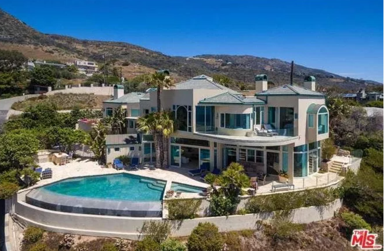 Neil Diamond S 7 25 Million Malibu Beach Pad 19 Photos