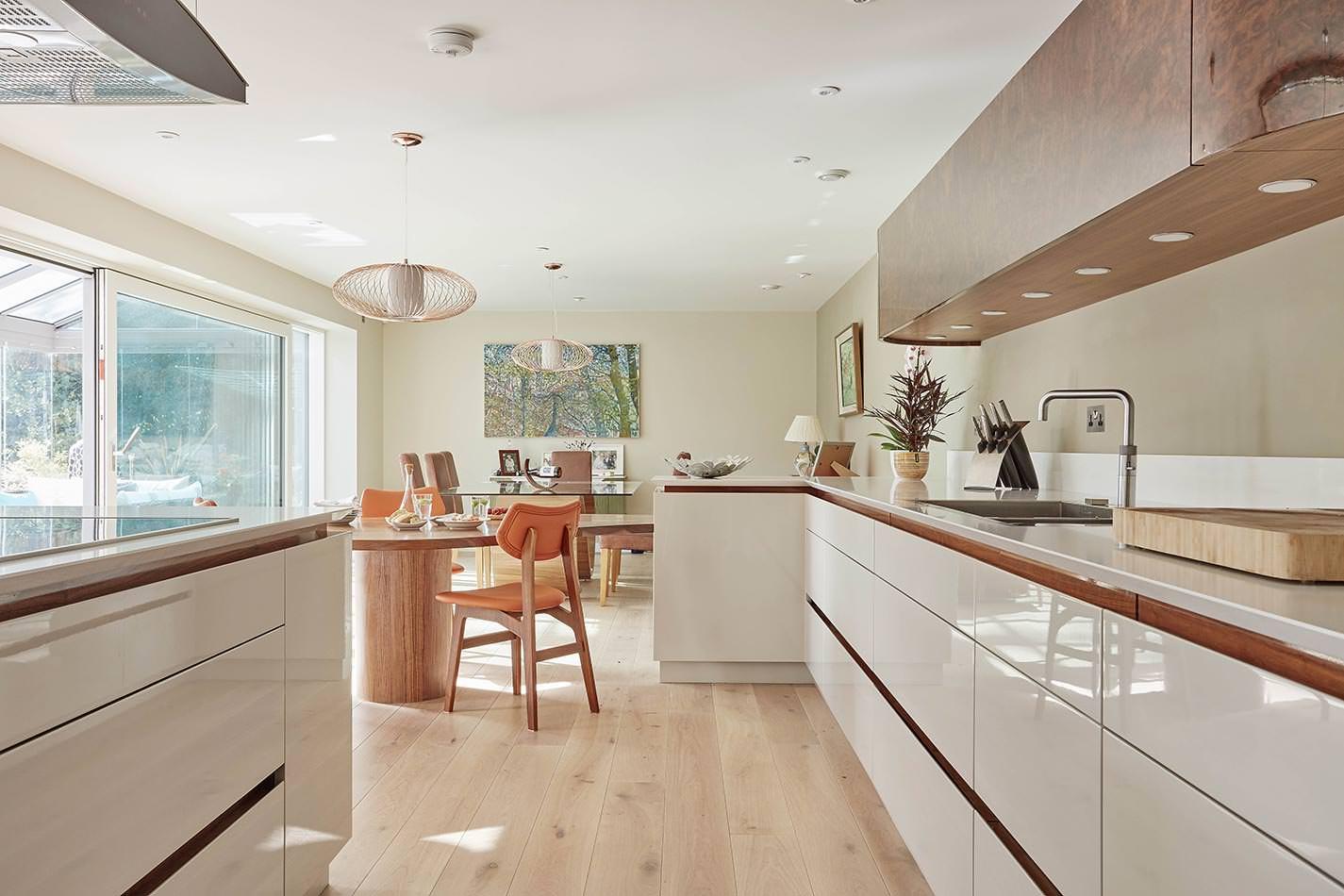 20 midcentury style kitchen ideas for 2018 for Bespoke kitchen ideas