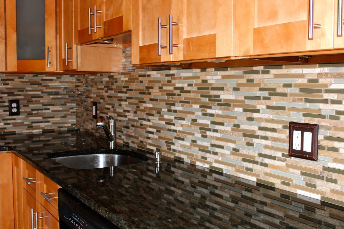 Rectangular kitchen backsplash pattern