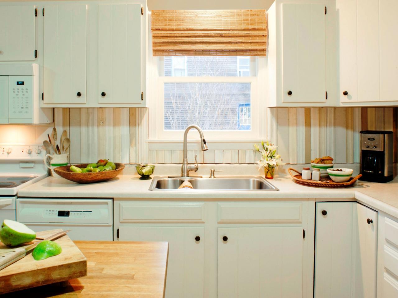 Vertical wood -style kitchen backsplash.