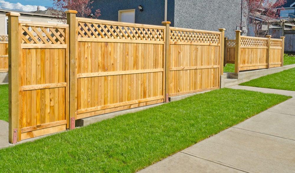 Lattice top wooden fence design