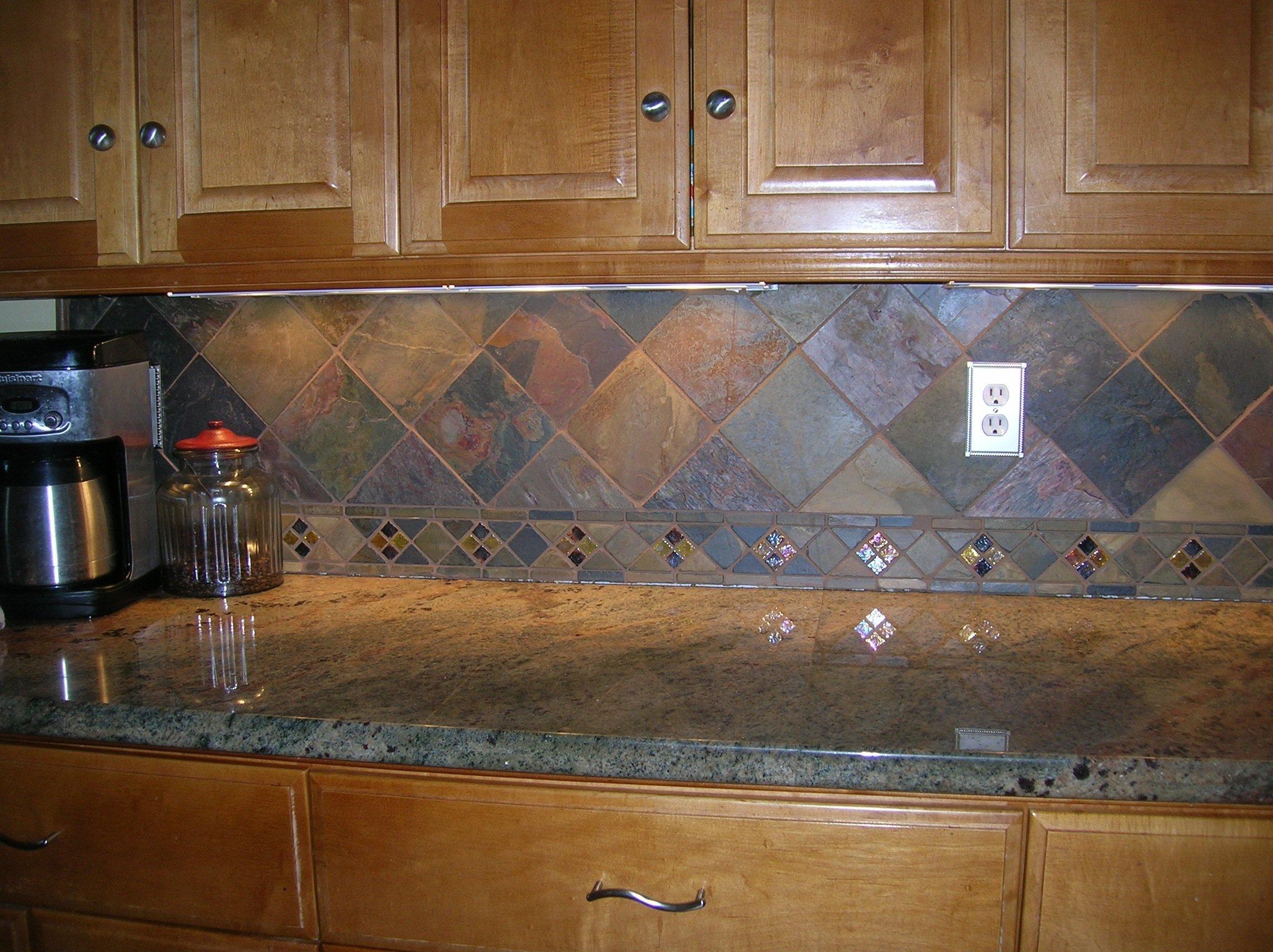 Slate kitchen backsplash