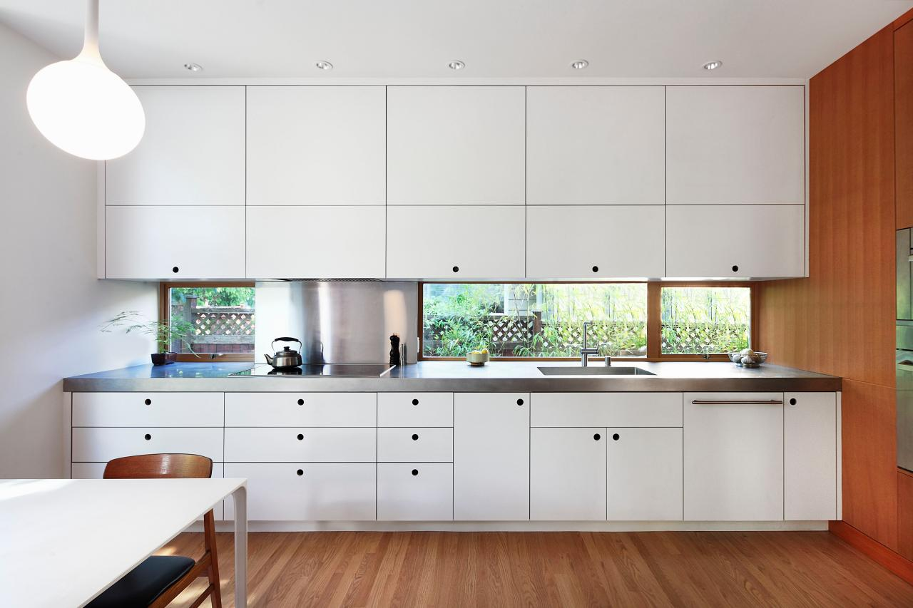 Picture of a window kitchen backsplash.