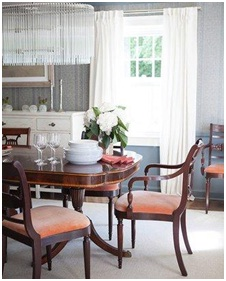 Traditional dining room home decor example