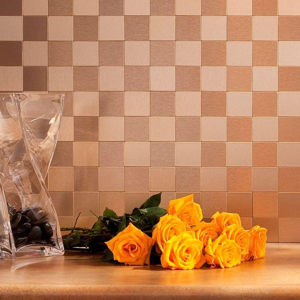 Checkered pattern kitchen backsplash