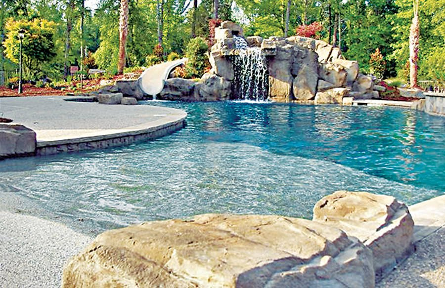 20 Awesome Zero Entry Backyard Swimming Pools ie Beach
