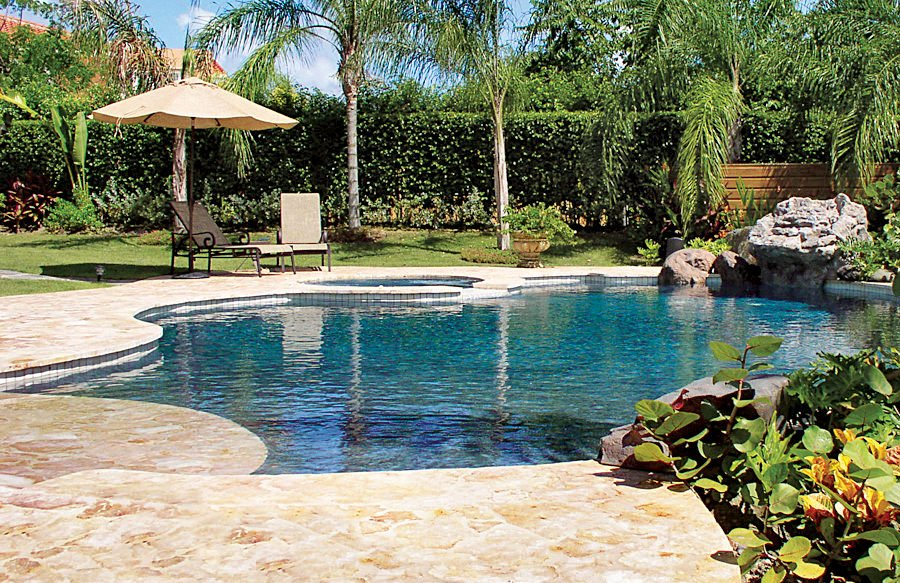 20 awesome zero entry backyard swimming pools i e beach for Walk in pool designs