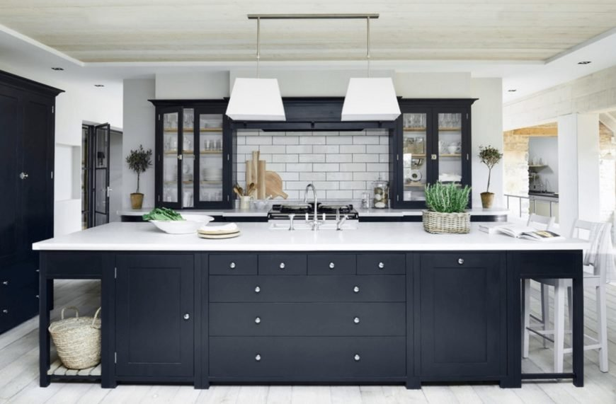 Black kitchen color image