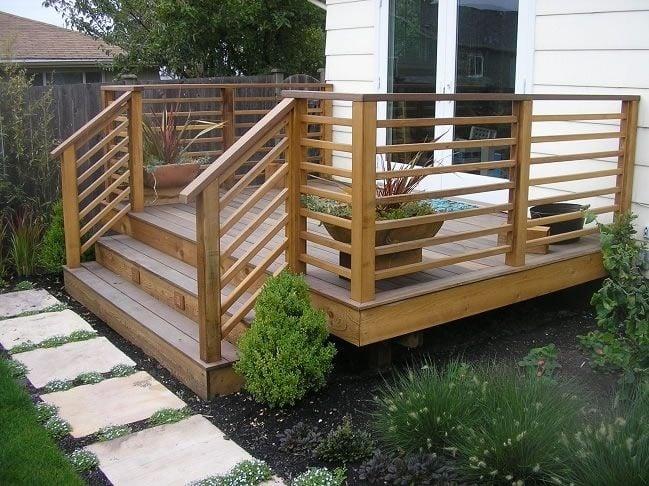 horizontal railing image