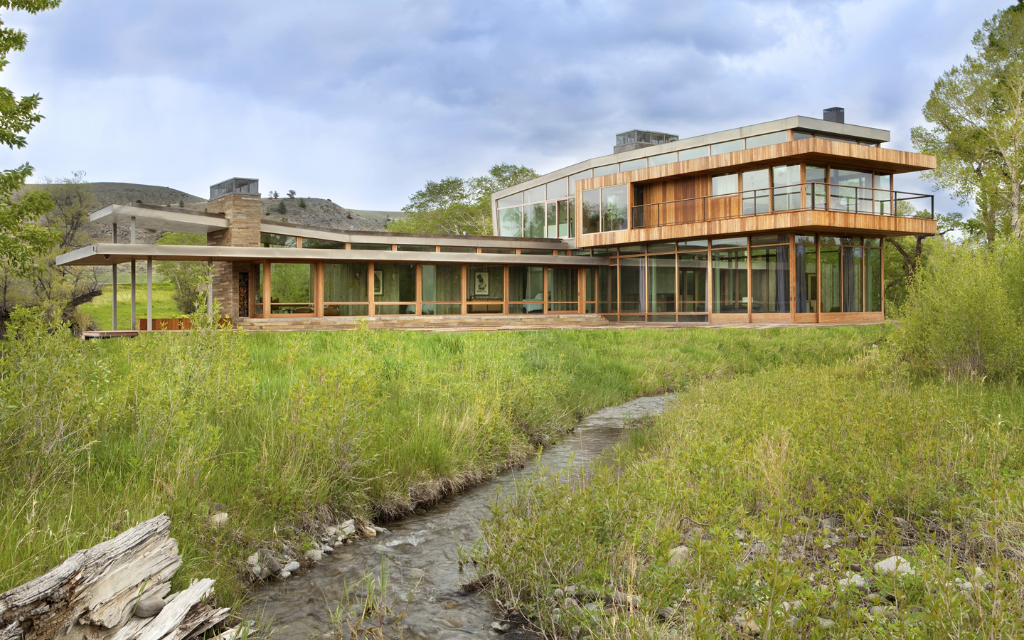 Big timber riverside house by hughes umbanhowar architects - Residence luxe hughes umbanhowar architects ...