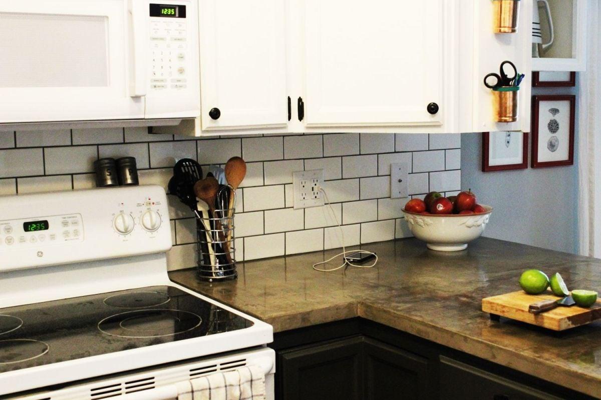 Picture of subway tyle kitchen backsplash.