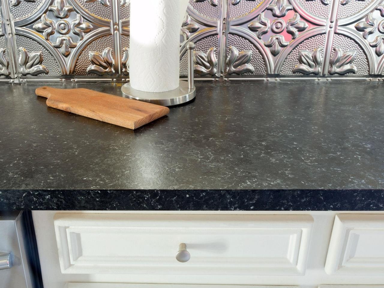 Laminate countertop image