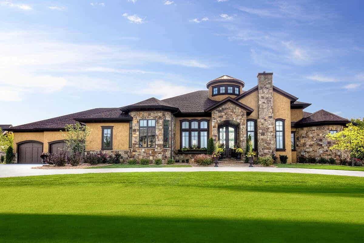 Luxury Tuscan House with Finished Walkout Basement