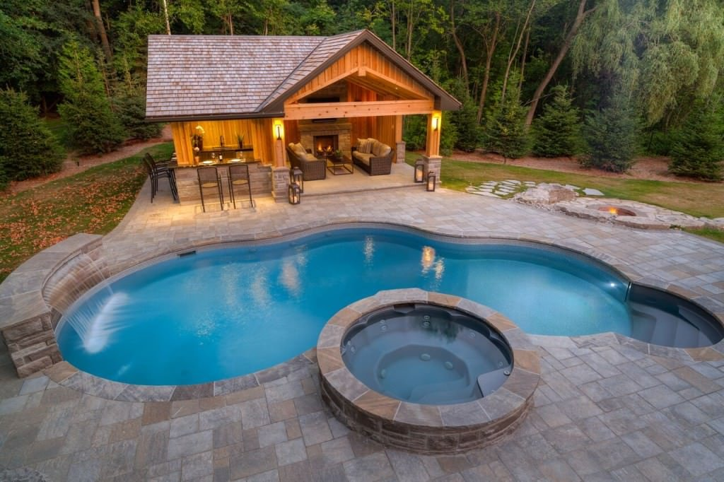 How Much To Build A Pool >> 25 Swimming Pools with Cabanas (Photos)