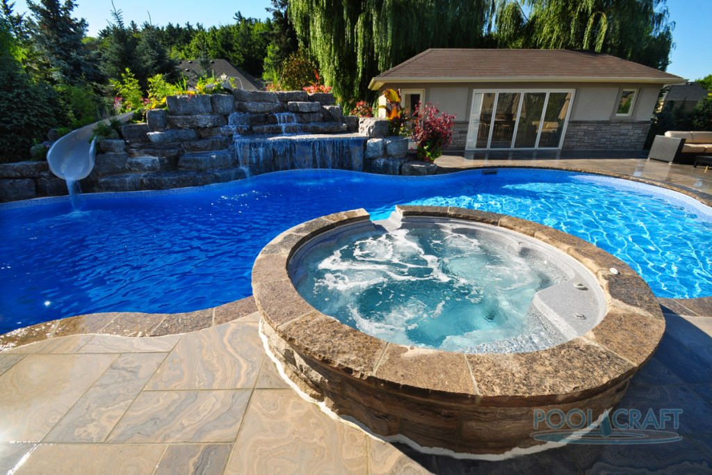 This magnificent pool features a beautiful architecture style.