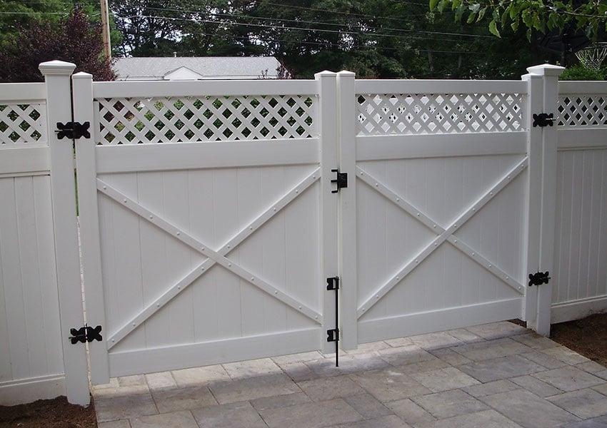 pvc fence gate image