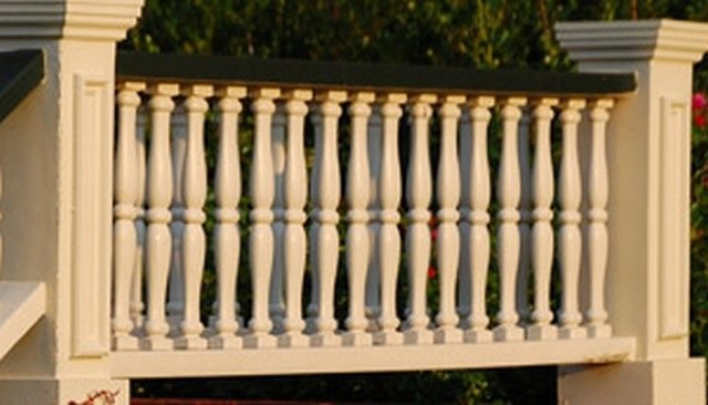 turned baluster deck railing image