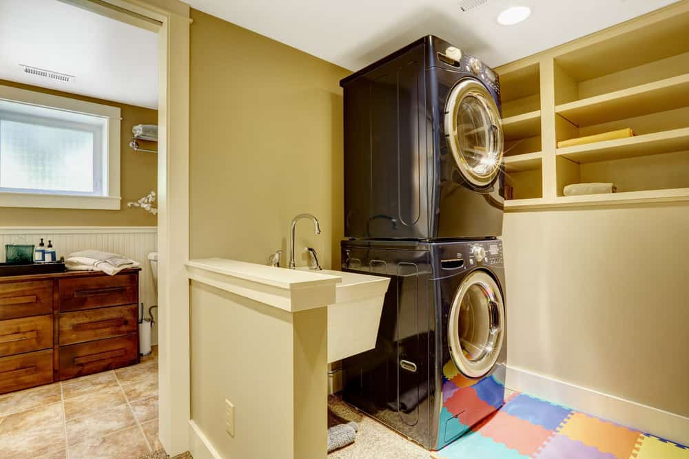 20 Laundry Rooms With Stackable Washer And Dryer (Photo