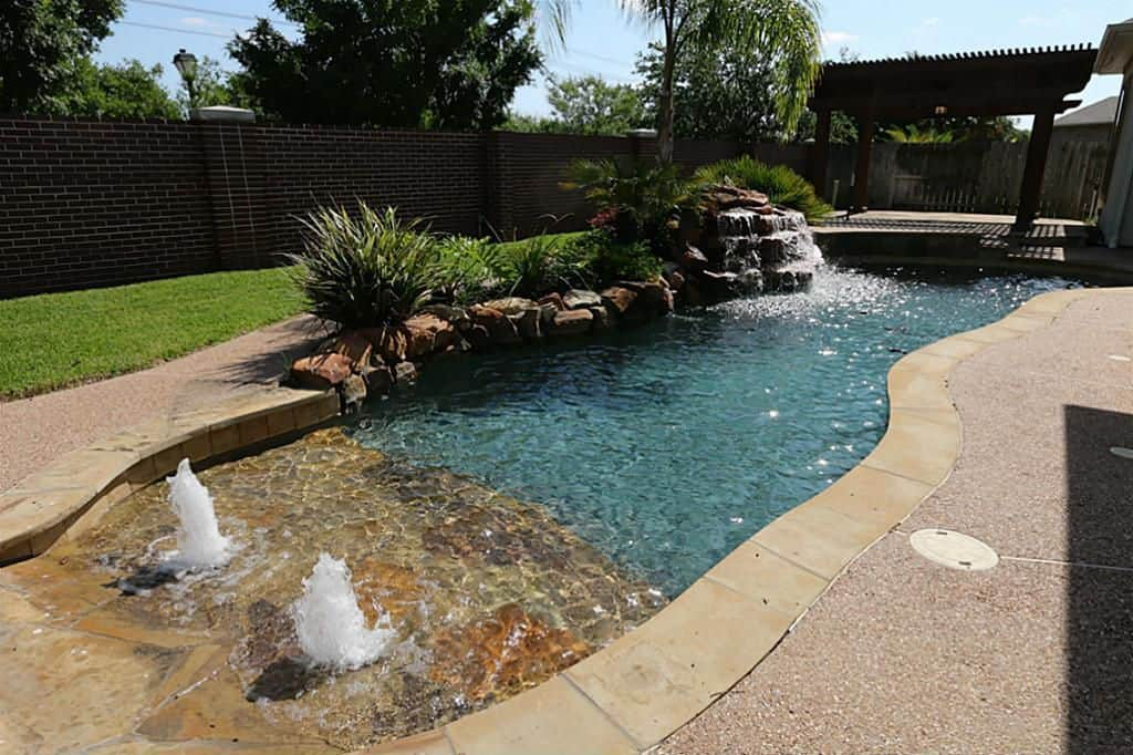 20+ Awesome Zero-Entry Backyard Swimming Pools (i.e. Beach Entry) -