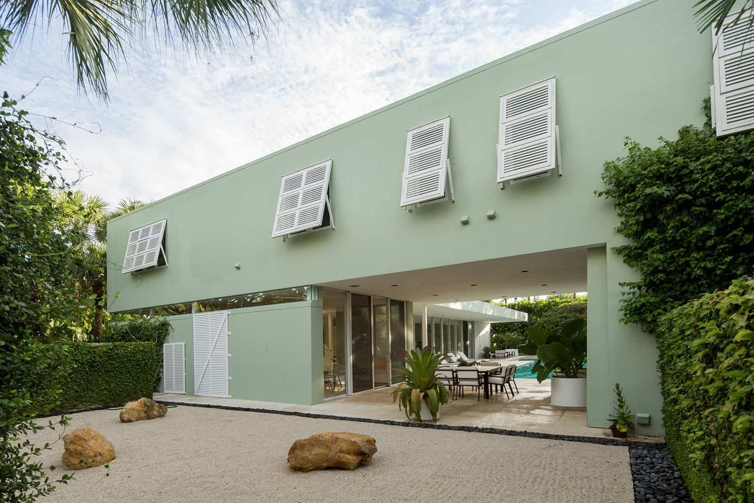 Nature Inspired Cape Mansions Project by PplusP Designers