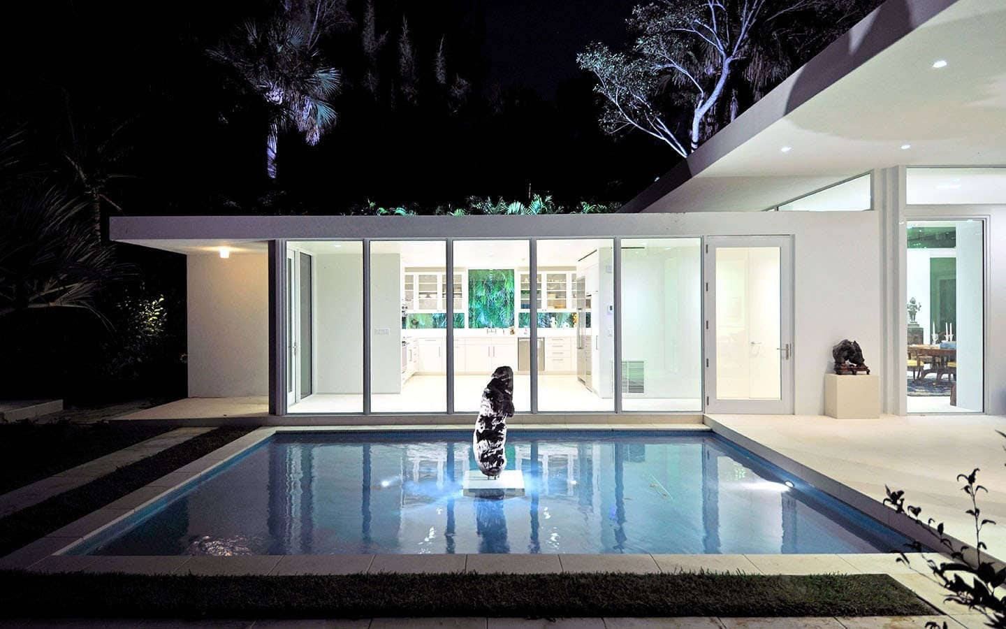 Gomez Road House Expansion Showcases Prestigious Art Collection by ...