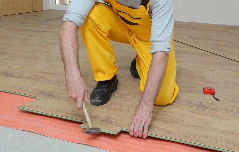 Floating wood tile floor