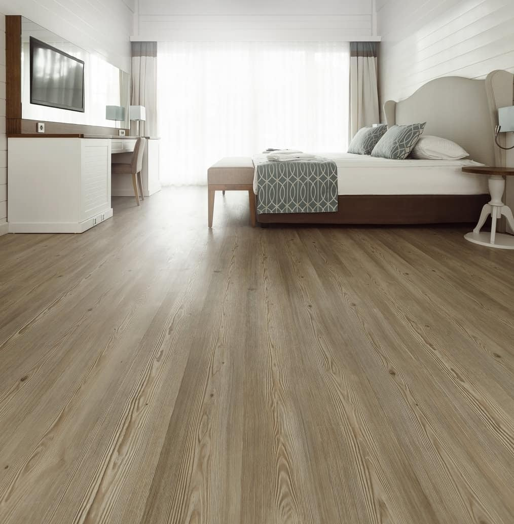 Laminate flooring in the bedroom
