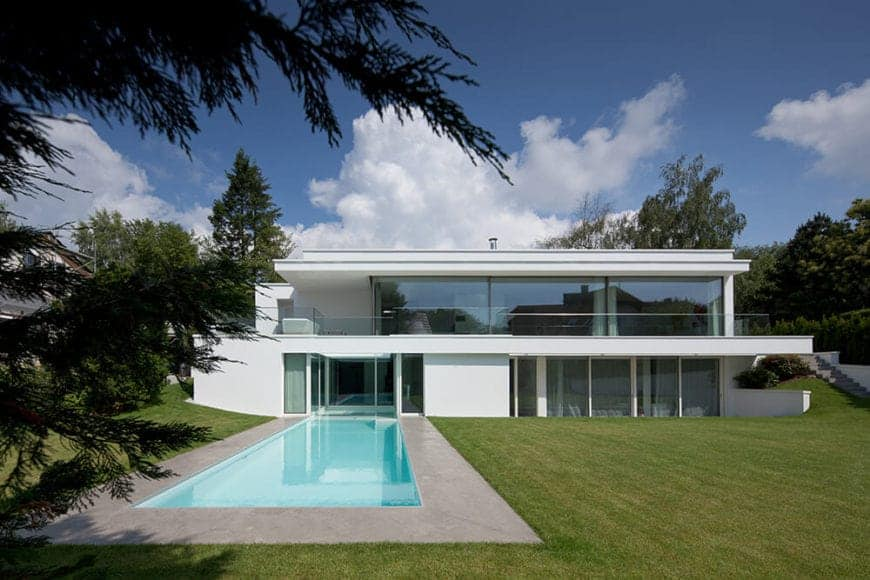 Light-filled Villa Von Stein by Philipp Architekten