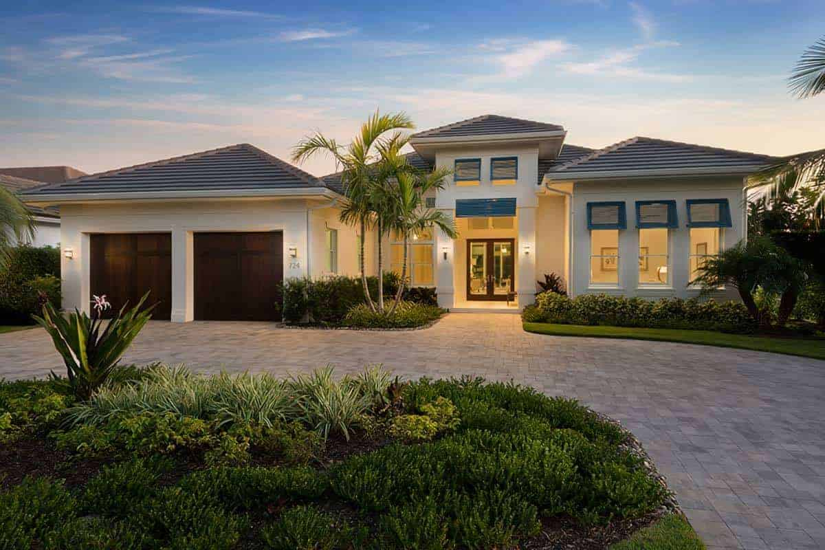 Florida House with Walls of Sliding Glass Doors