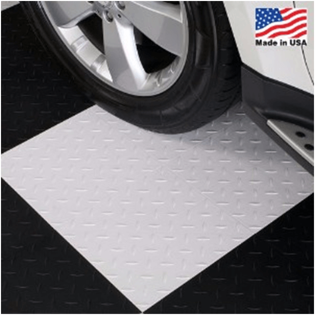 black/white garage flooring