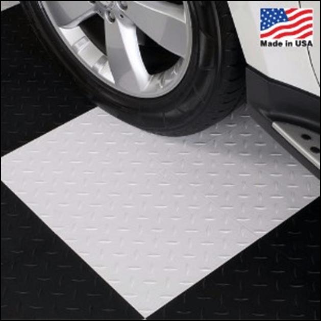black/white garage flooring