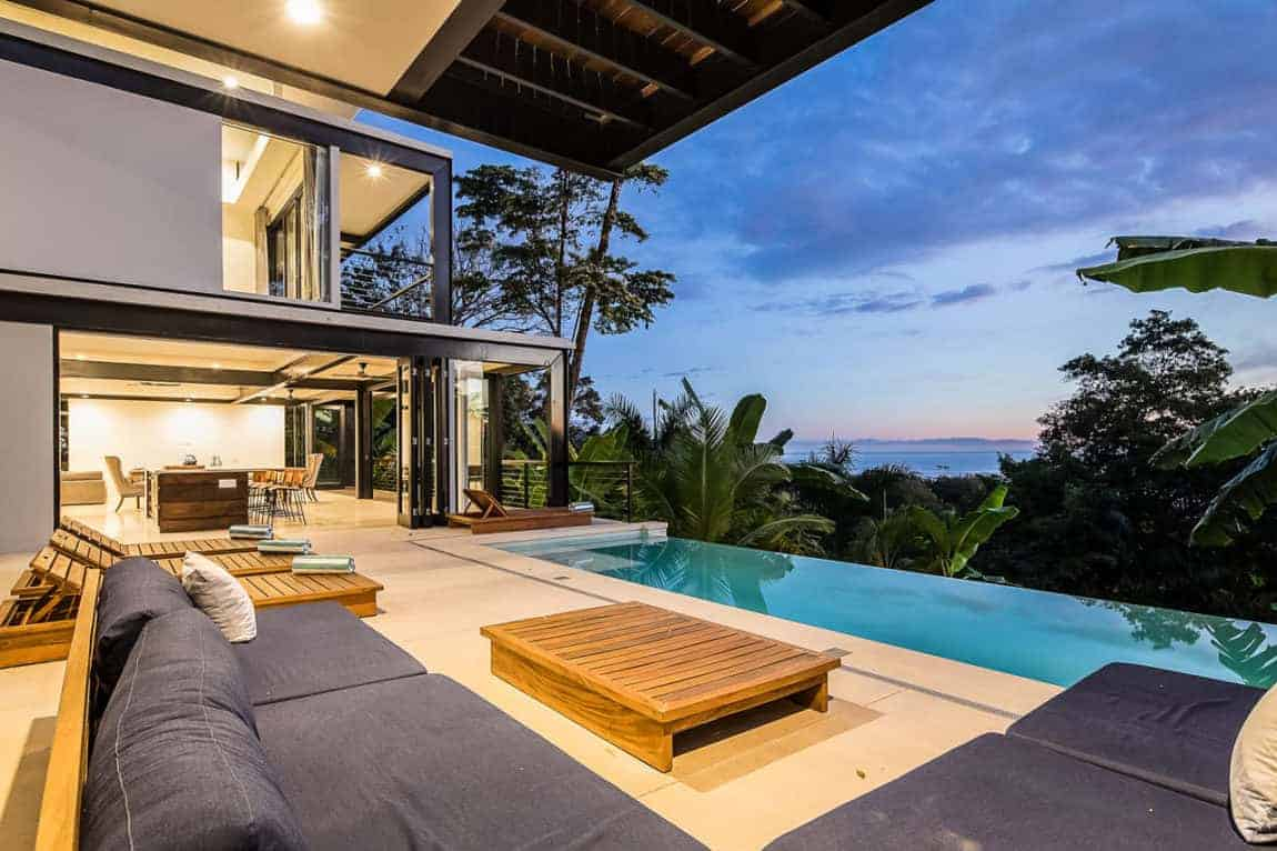Hillside Ocean View Home in Costa Rica by Benjamin Garcia Saxe Architecture