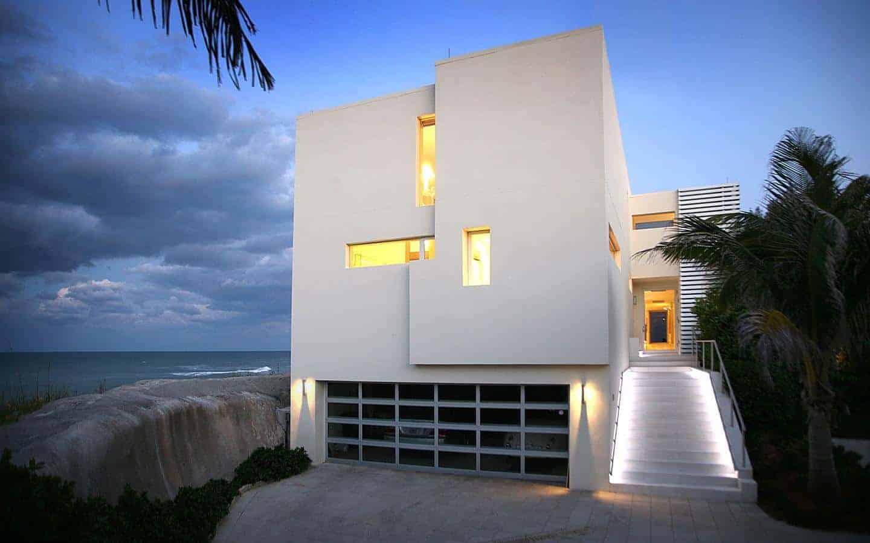 Modern Beach Home on Jupiter Island by Hughes Umbanhowar Architects