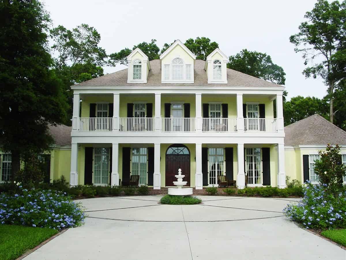 Luxurious Contemporary Plantation Home Design