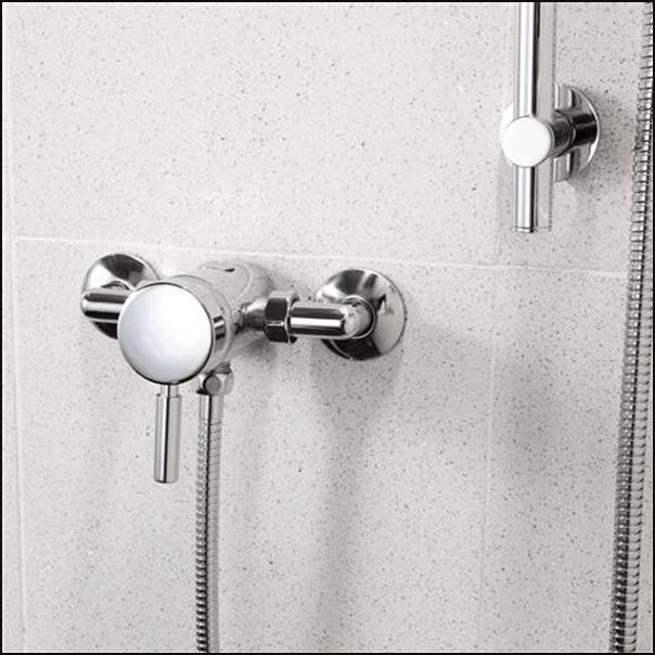 Manual mixer shower