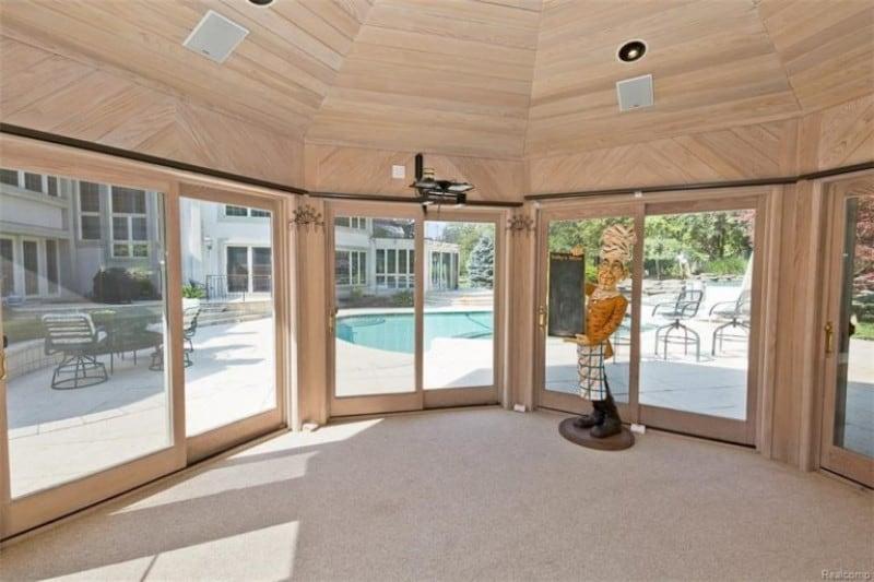 Eminem's sunroom is spacious and minimalistic.