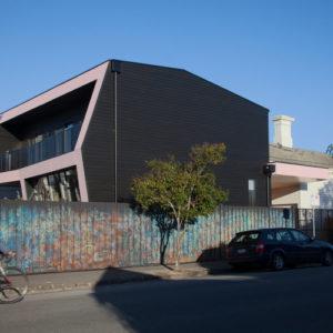 4POLYstudio-The_Corner_House