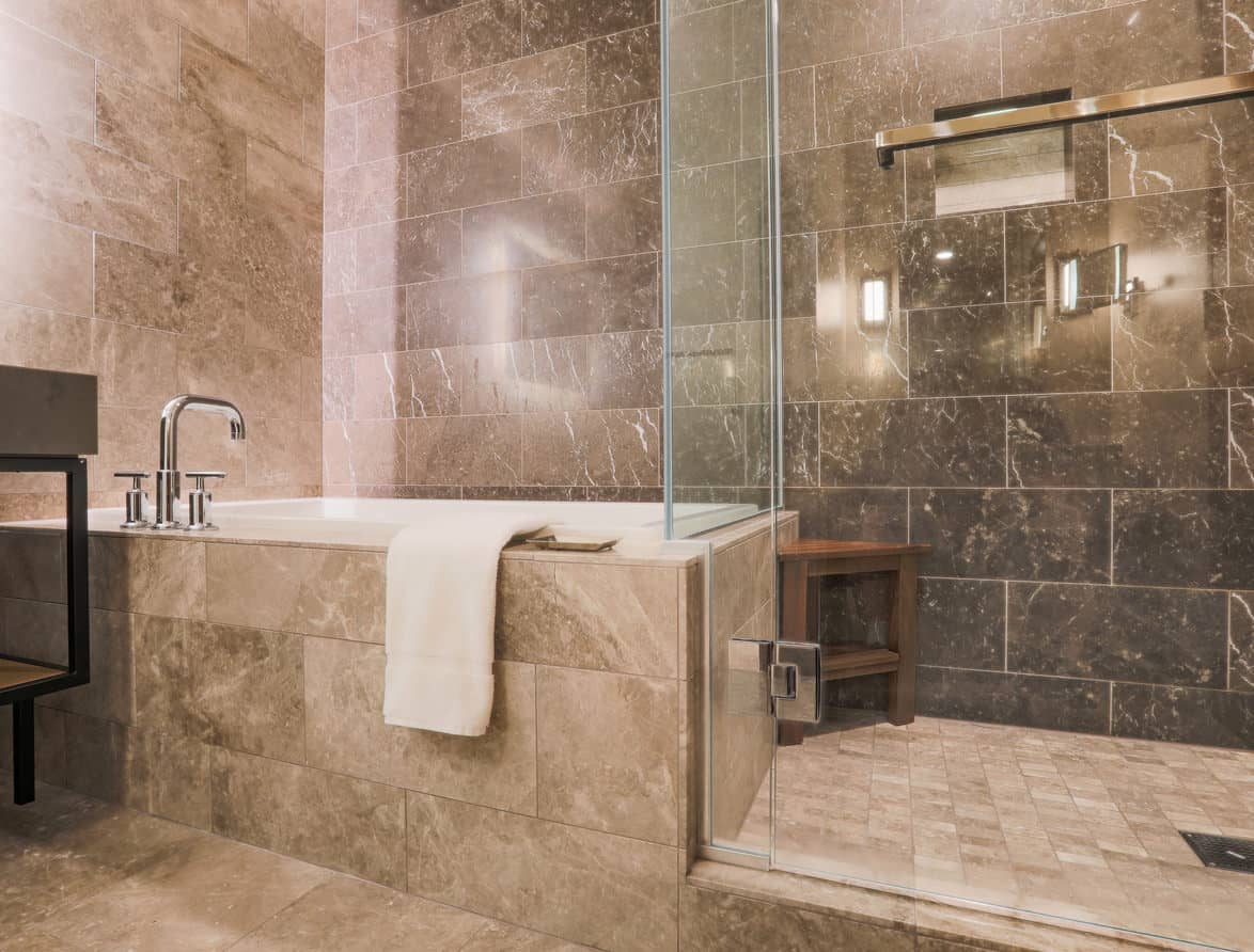 Standard built-in tub